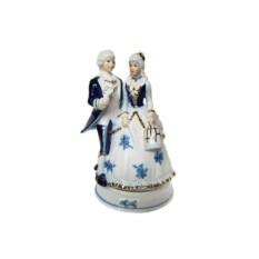 Музыкальная статуэтка Девушка с кавалером