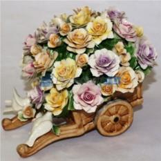 Разноцветные цветы из фарфора Любовь и голуби
