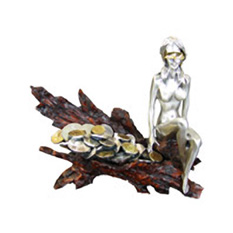 Статуэтка «Богиня благоденствия с монетами»