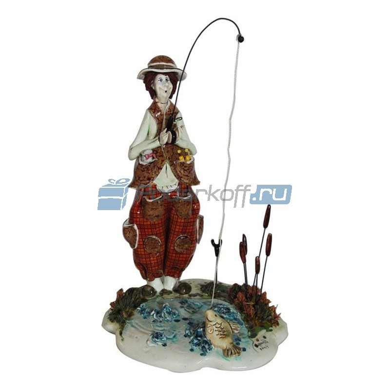 Фарфоровая статуэтка Рыбак