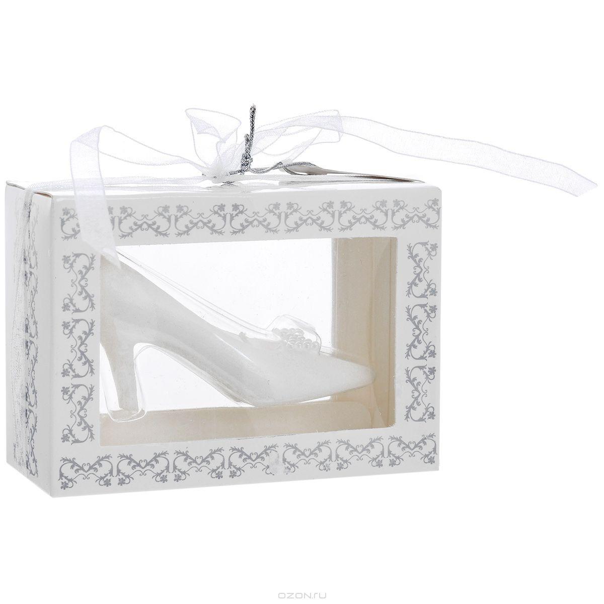 Свеча декоративная Туфелька, цвет: белый