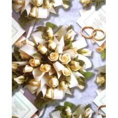 Упаковочная бумага с букетами роз