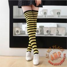 Черно-желтые полосатые гольфы