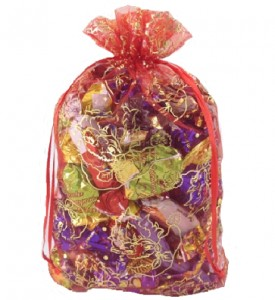 Мешочек красно-золотой с конфетами