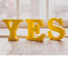 Слова для интерьера Yes