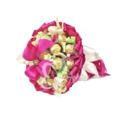 Букет из 19 конфет Ferrero Rocher с лентами Фуксия