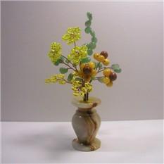 Цветы из бисера и камней опала, нефрита, коралла и яшмы