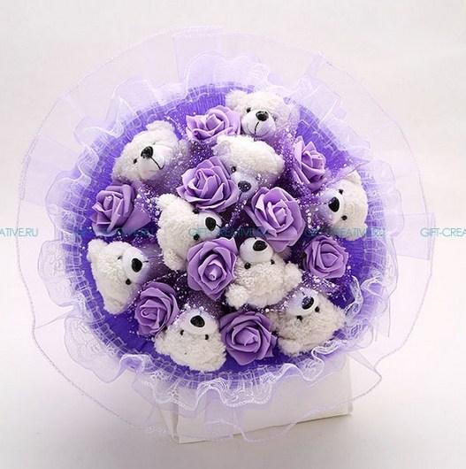 Букет из игрушек Мишки с цветами