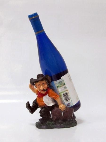 Подставка для бутылки, ковбой (сидит, коричневая жилетка)