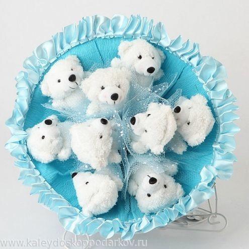Букет из игрушек Белые мишки
