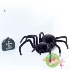 Черный робот-паук на радиоуправлении
