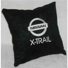 Черная подушка Nissan X-Trail