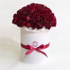 Букет из 101 бордовой розы в шляпной коробке (40 см)