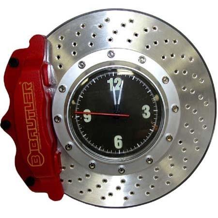 Часы в виде тормозного диска