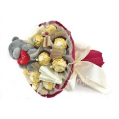 Букет из конфет Ferrero Roscher и мишки с сердцем