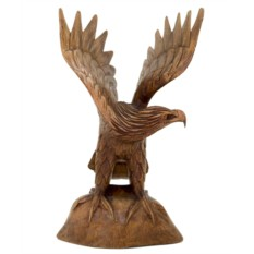 Статуэтка из дерева Орел на скале
