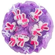 Букет из мягких игрушек Зайчата фиолетового цвета