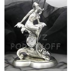 Часы Богиня удачи с рогом изобилия