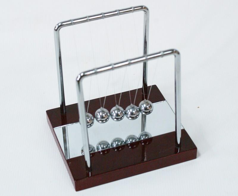 Маятник Ньютона 13  см зеркальный