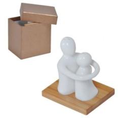 Набор солонка и перечница Объятия в подарочной упаковке