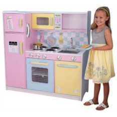 Большая детская кухня из дерева Пастель