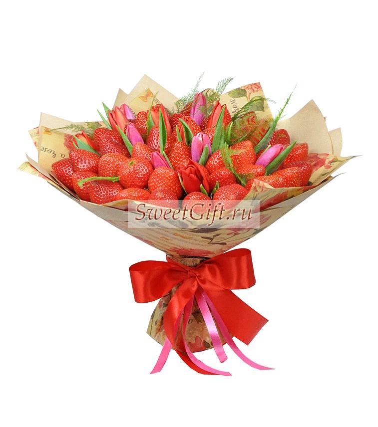 Букет из ягод и цветов Клубничный фреш