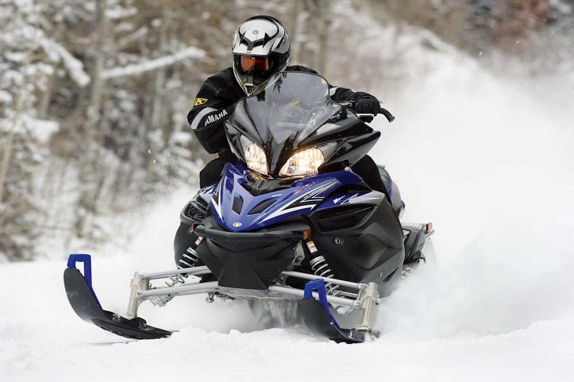 Катание на 1-местном снегоходе для одного (60 минут)
