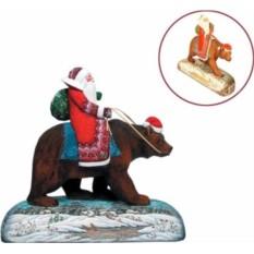 Новогодняя коллекционная игрушка Дед Мороз на медведе