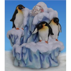 Декоративный фонтан с подсветкой «Семья пингвинов у льдины»