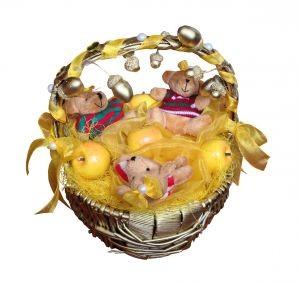 Сувенирная корзинка с мягкими игрушками, мишки