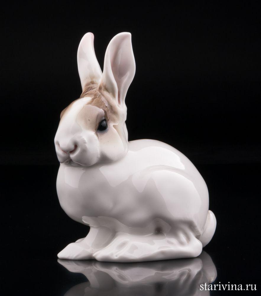 Фарфоровая статуэтка Сидящий заяц