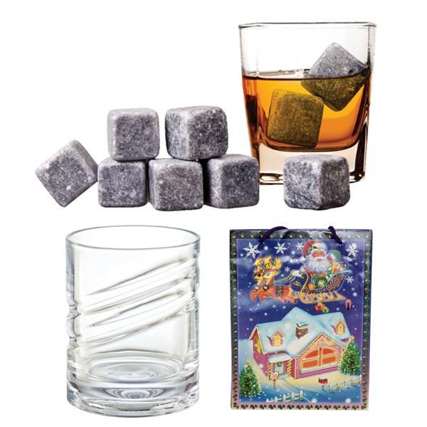 Камни и стакан для виски в новогоднем пакете