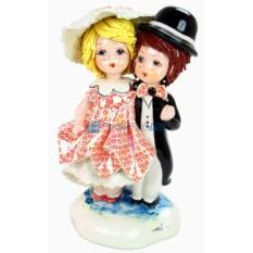Статуэтка из фарфора Влюбленная пара