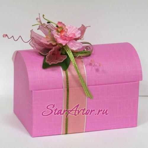 Сундучок с конфетами розовый