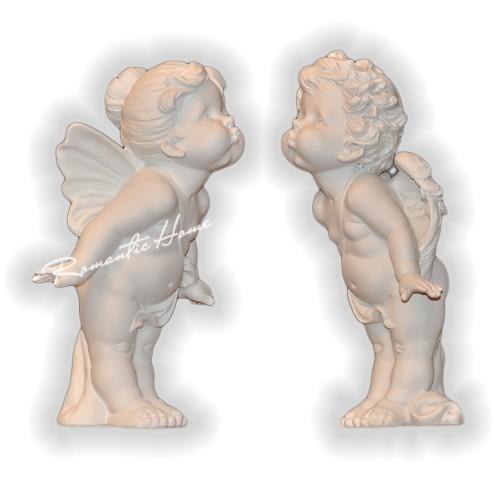 Фигурки целующихся ангелочков