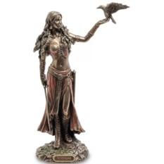 Статуэтка Морриган. Богиня рождения, войны и смерти