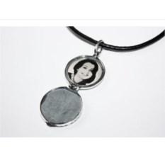 Серебряный открывающийся медальон Козерог