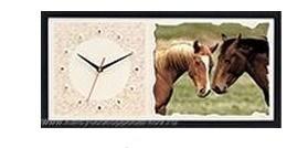 Настенные часы из песка Лошади