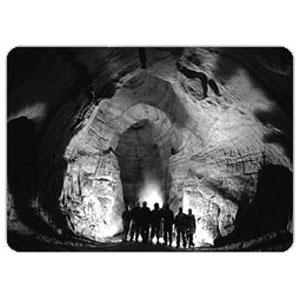 Экскурсия по извилистым пещерам для семьи