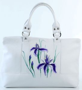Кожаная сумка Ирисы на снегу