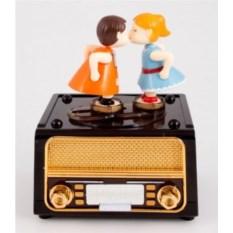 Музыкальная шкатулка Поцелуй