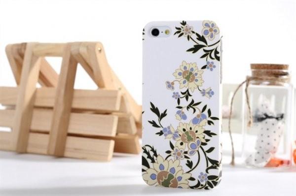 Задняя накладка на iPhone 5 Bensy (белая)