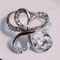 Кольцо с белыми кристаллами Сваровски «Подснежник»