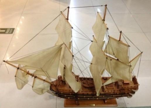 Модель парусного корабля Royal Louis