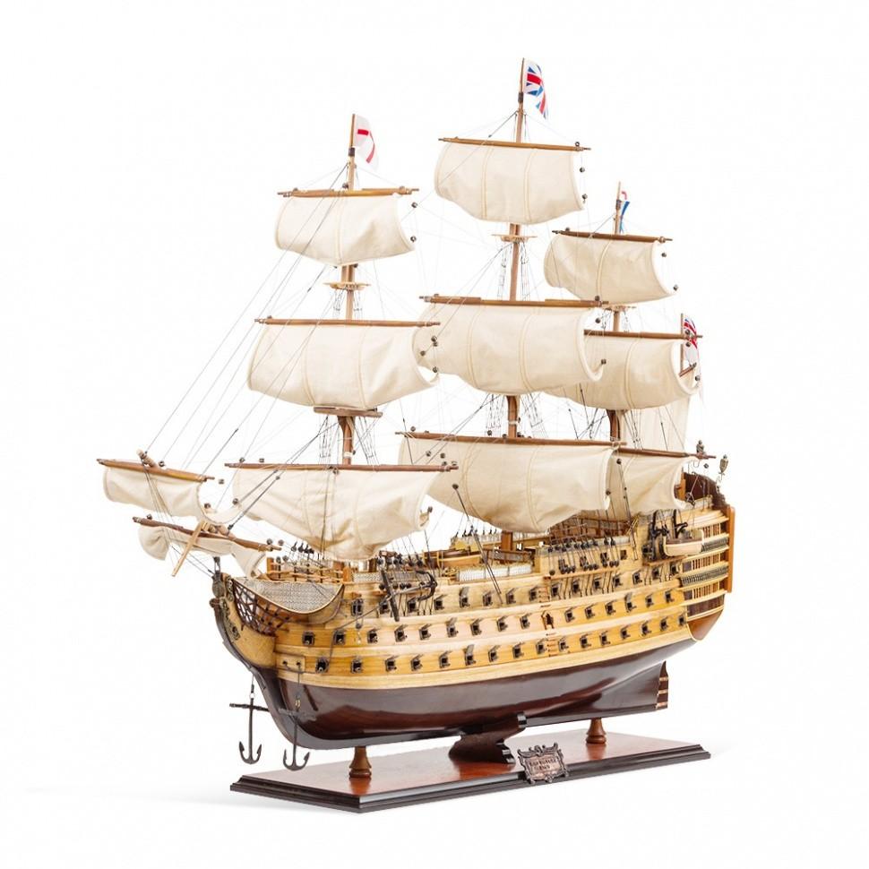 Модель корабля Victory