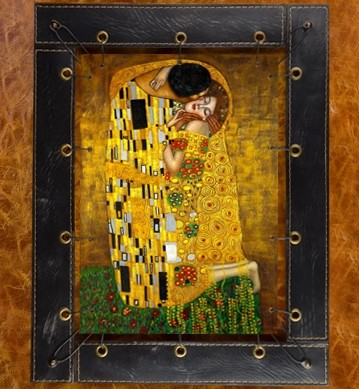 Картина из кожи Поцелуй Г.Климт.