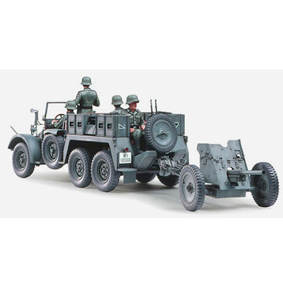 Немецкий автомобиль с 3.7см противотанковой пушкой