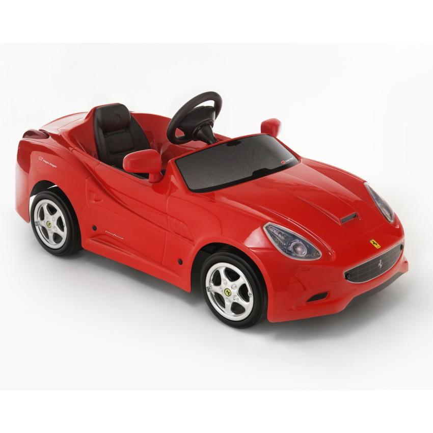 Машинка педальная Ferrari California
