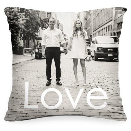 Подушка с фото и текстом «Love»