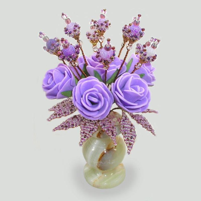 Сиреневый рай. Цветы из агата в вазочке из оникса